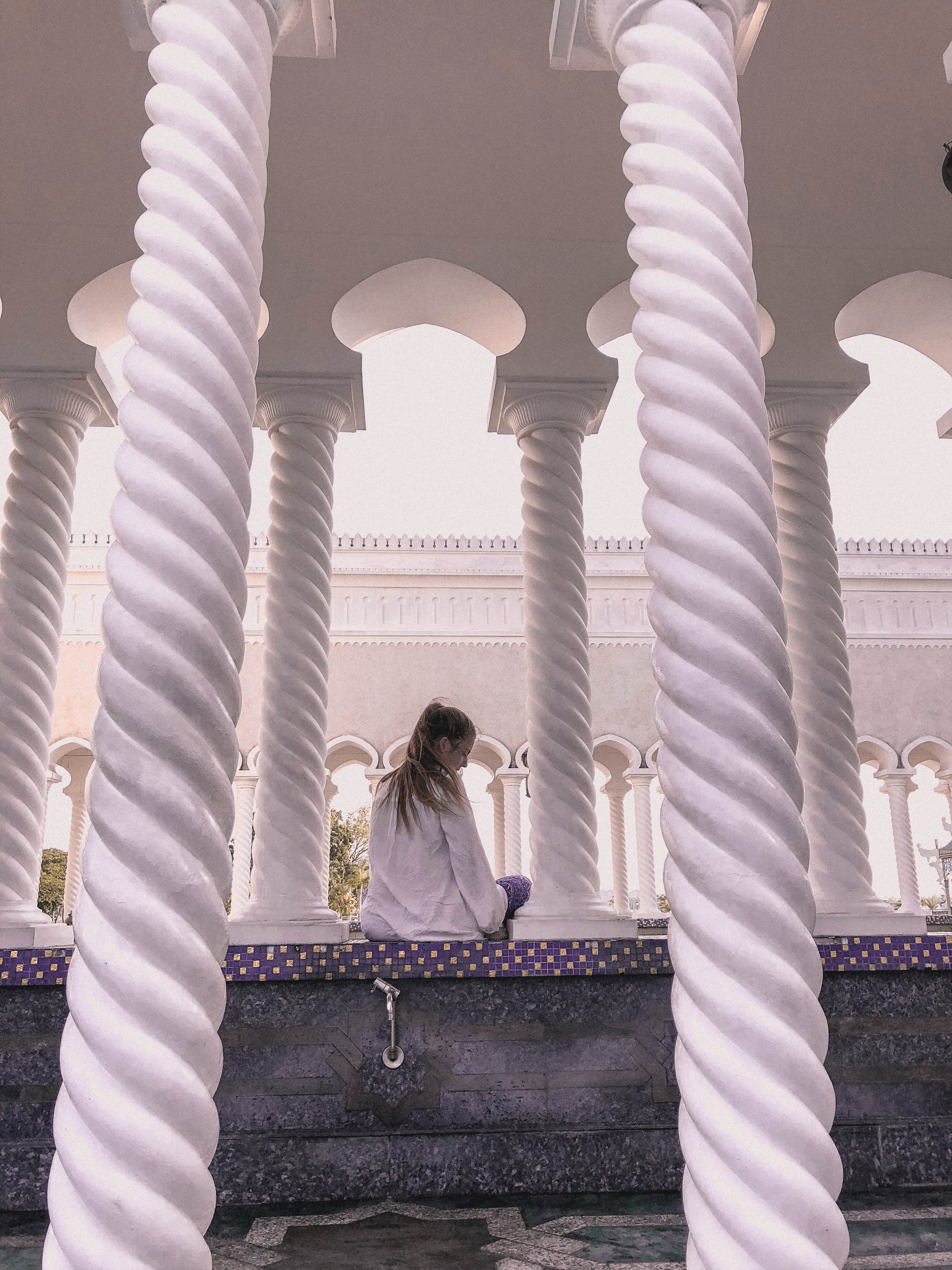 co zobaczyć w brunei? meczet zewnątrz
