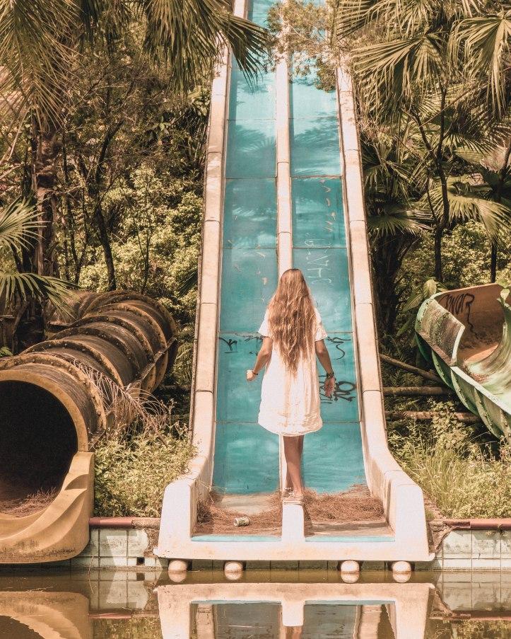 opuszczony park wodny w hue 3